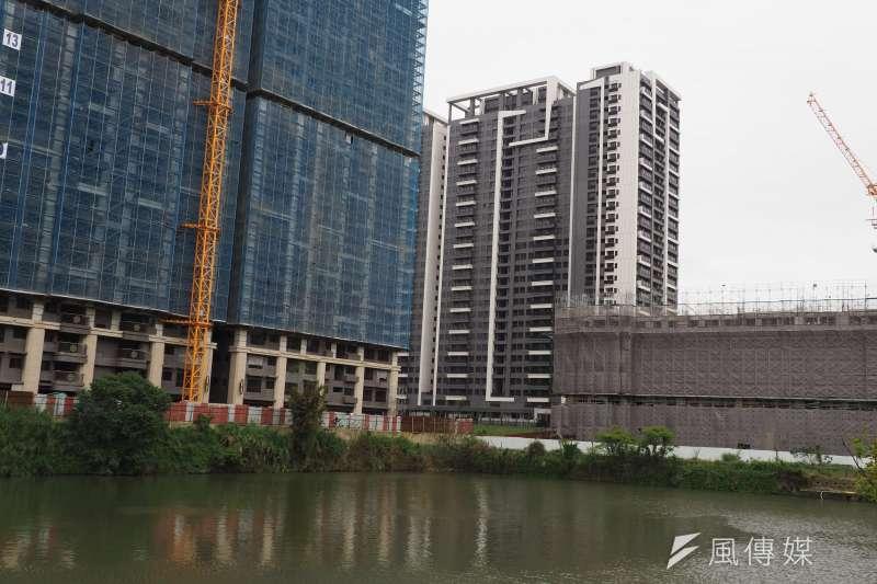 為讓建商能儘速釋出房屋,避免囤房,台北市議會通過建商囤房稅。示意圖,與新聞個案無關。(資料照,柯承惠攝)