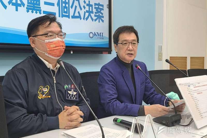 國民黨總召費鴻泰、國民黨團副書記長李德維5日召開記者會。(潘維庭攝)