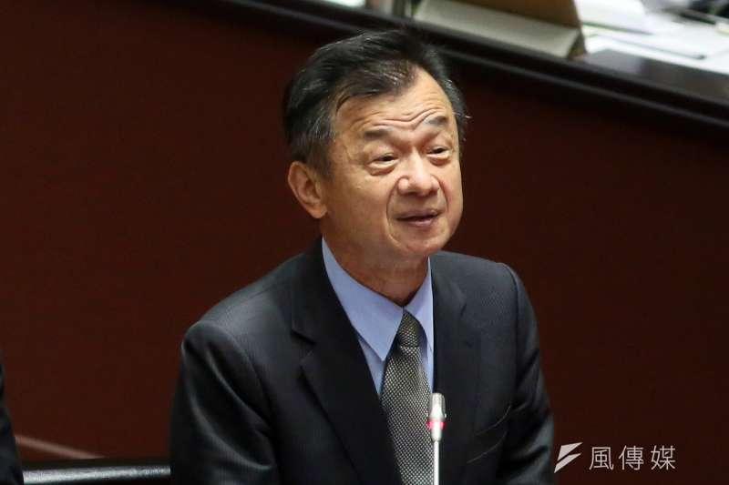 陸委會主委邱太三表示要修法防堵對岸來台挖角人才 。(柯承惠攝)