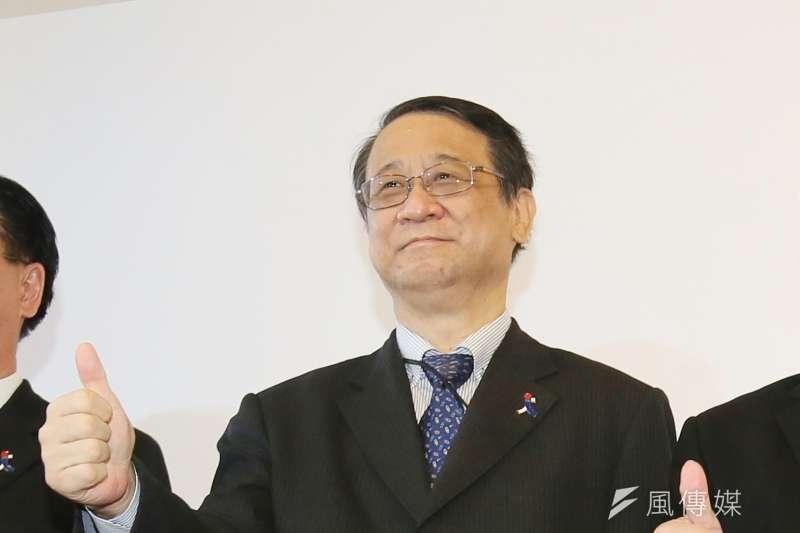 日本援我124萬劑新冠疫苗午後抵台,日本台灣交流協會代表泉裕泰表示,經過種種挑戰,日台友情更堅定不移。(資料照,柯承惠攝)