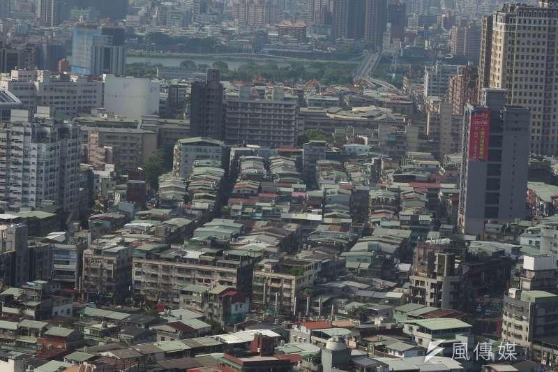 屏東縣雖然房價屬「可合理負擔」,房價漲幅卻讓在地人看了直搖頭。(示意圖/資料照,柯承惠攝)
