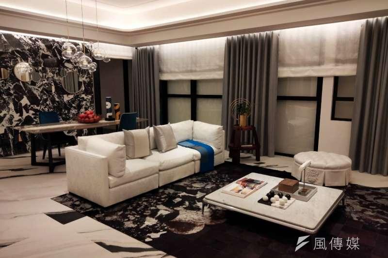 富邦醴仁是富邦建設繼大直豪宅西華富邦後,睽違6年新推案,圖為樣品屋。 (攝影:林喬慧)
