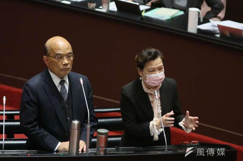 行政院長蘇貞昌(左)3日中午親上火線,與民進黨籍立委召開行政立法協調會報,溝通經濟部所提的「中油第三天然氣接收站外推」方案。(資料照,柯承惠攝)
