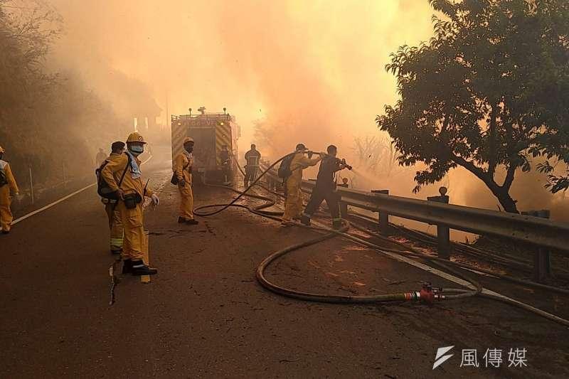阿里山森林經過68小時搶救,仍有3處起火點。(圖/林管處提供)