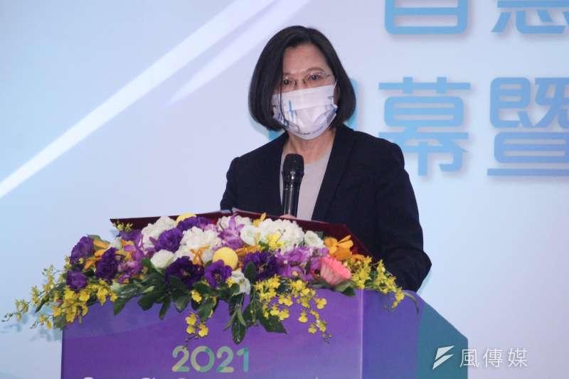 總統蔡英文規劃2025年台灣氣電占比將高達50%,對此,作者認為不論由能源供安全,發電成本或減碳考量,廢核而大量增加燃氣發電都是極為錯誤的能源政策。(資料照,蔡親傑攝)