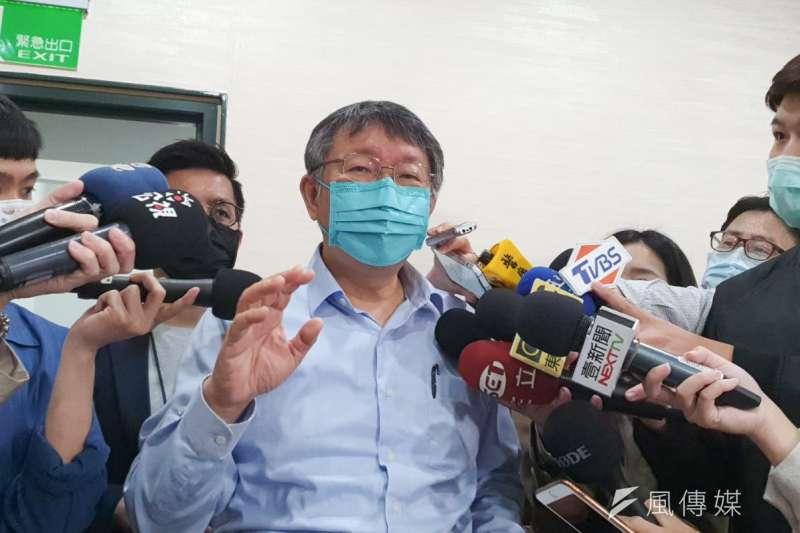 台鐵太魯閣出軌事故,讓台灣公共工程狀況引發討論。台北市長柯文哲7日表示,台專多用價格標,就是公務員不想負責。(資料照,方炳超攝)