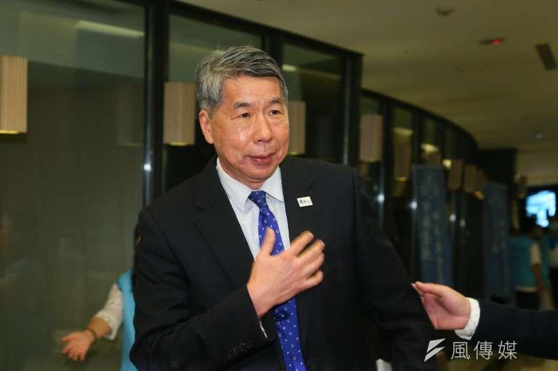 張亞中教授批評國民黨主席選舉竟要繳交千萬保證金。(顏麟宇攝)