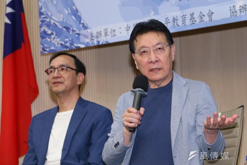 趙少康(右)、朱立倫今日出席青雁基金會召開「護憲保台論壇」,討論國民黨兩岸政策方向。(顏麟宇攝)