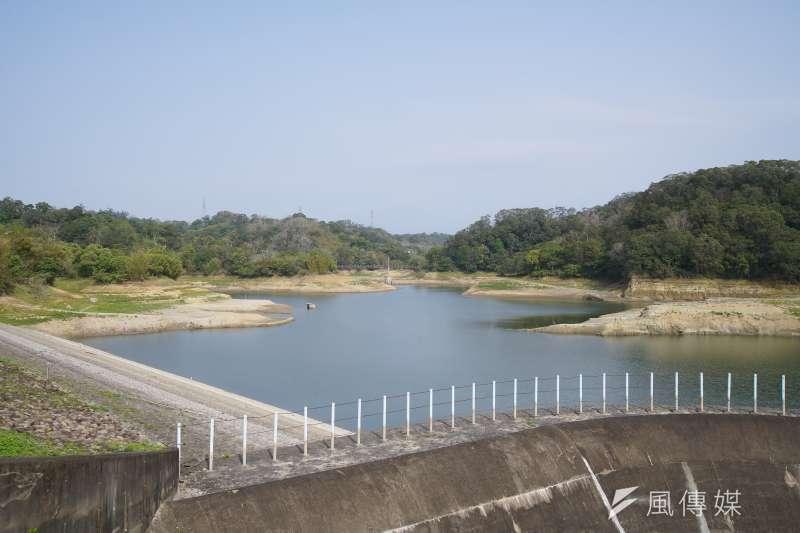 國內水情告急,新竹地區可能從6月開始供5停2,圖為新竹寶山水庫。(盧逸峰攝)