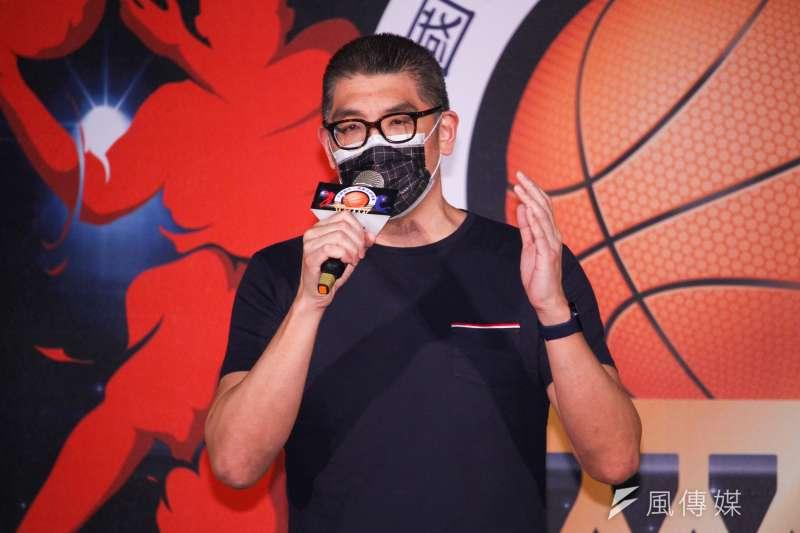 國民黨智庫副董事長連勝文27日出席「 2021全國國民小學籃球錦標賽開幕式」,對新疆棉事件進行表態。(蔡親傑攝)