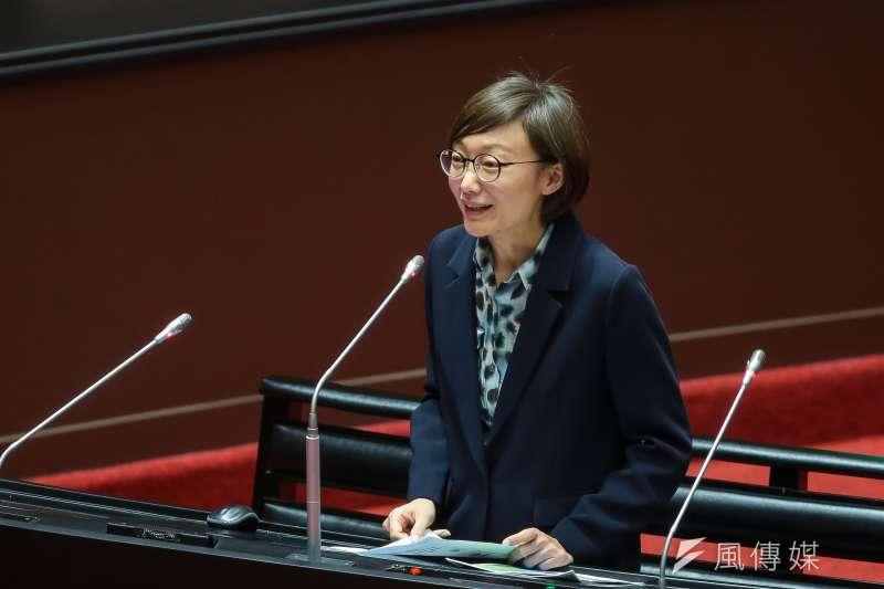 國民黨立委吳怡玎(見圖)30日於立院針對高雄空污問題進行質詢。(顏麟宇攝)