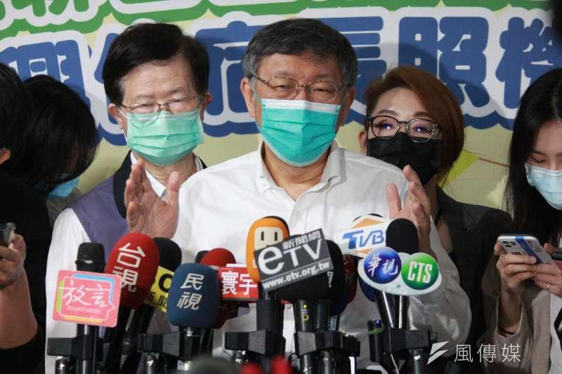 台北市長柯文哲31日出席台北市聯合醫院中興院區附設住宿長照機構開幕儀式,並接受媒體訪問。(方炳超攝)