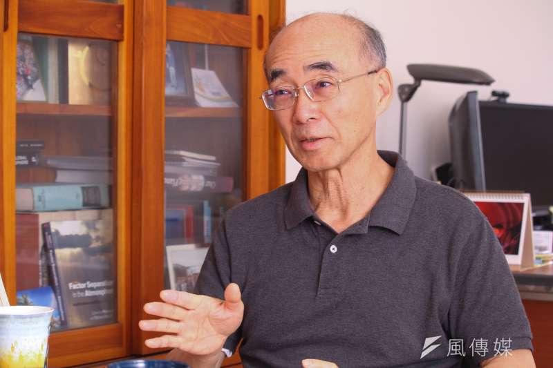 中研院環境變遷中心特聘研究員許晃雄指出,在氣候變遷影響下,未來20年台灣可能更乾旱。(蔡親傑攝)