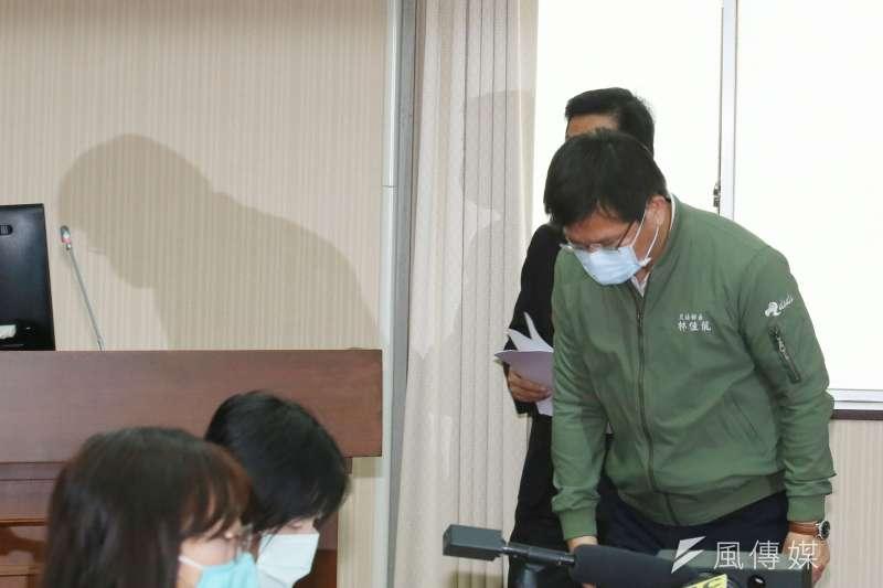 交通部長林佳龍7日至立法院交通委員會就台鐵太魯閣號事故進行報告。(柯承惠攝)
