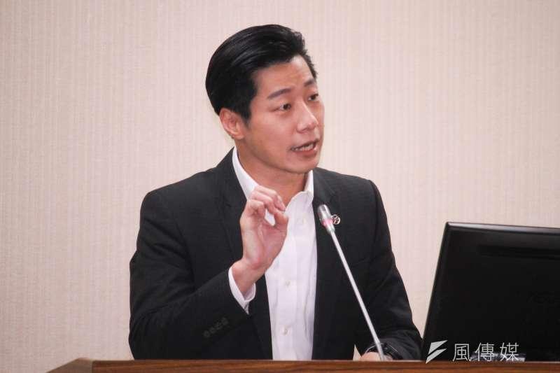 無黨籍立委林昶佐(見圖)表示,將支持行政院最新三接外推修正案。(資料照,蔡親傑攝)