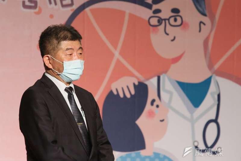衛福部長陳時中(見圖)表示,疫苗有效期問題,擔心打不完,決定適度放寬規定,讓大家施打更方便。(柯承惠攝)