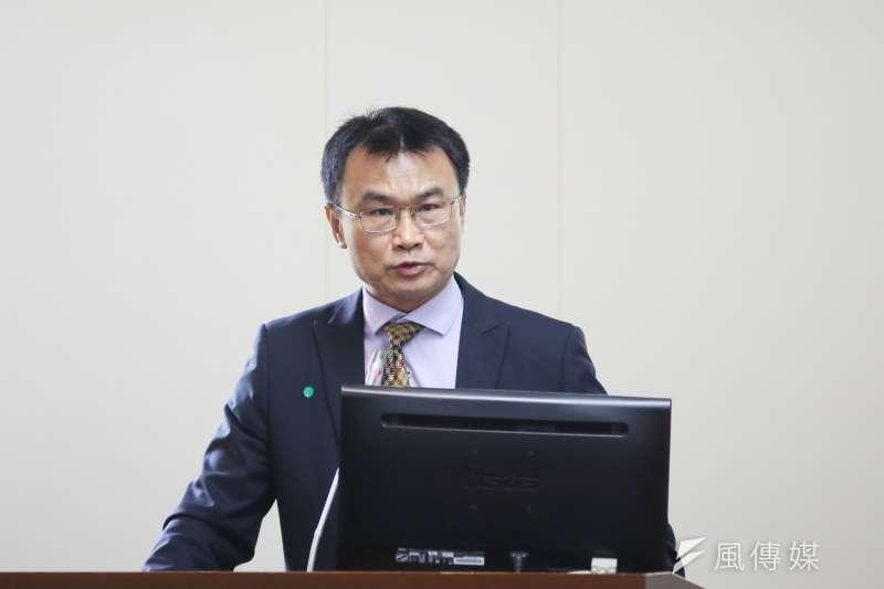 陳吉仲表示,這兩天國內卻有人拿紐西蘭暫停台灣芒果和荔枝輸入,批評「雙標」,這顯然是出於對國際貿易實務與規範的嚴重無知。(資料照/柯承惠攝)