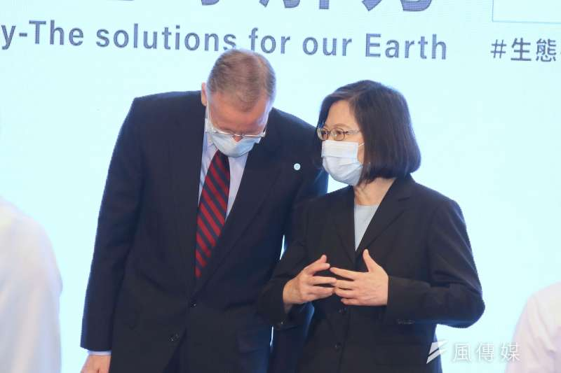 蔡總統今出席美國在台協會(AIT)舉辦「AIC年度創新論壇」開幕式致詞指出,當多數國家談論2050年淨零轉型目標,台灣也積極部署中。(柯承惠攝)