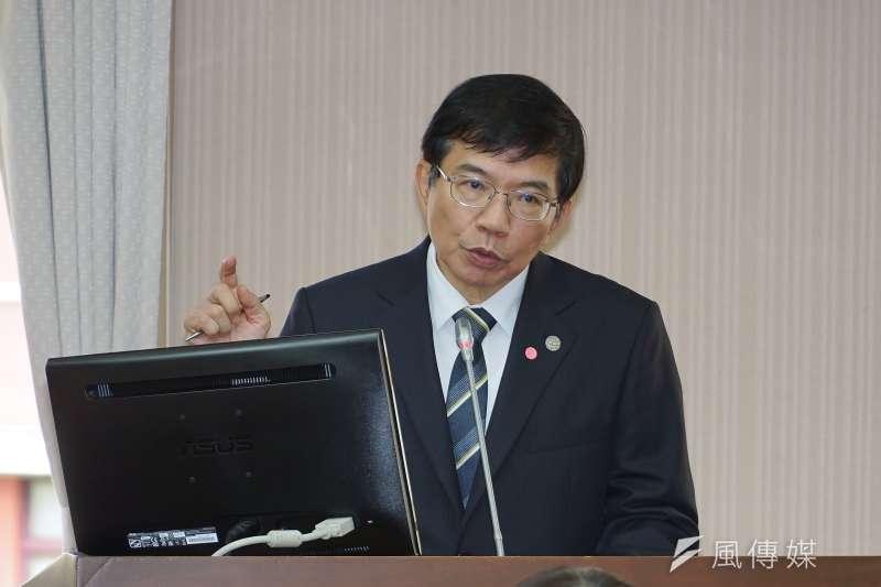 交通部長王國材22日出席交通委員會備詢。(盧逸峰攝)