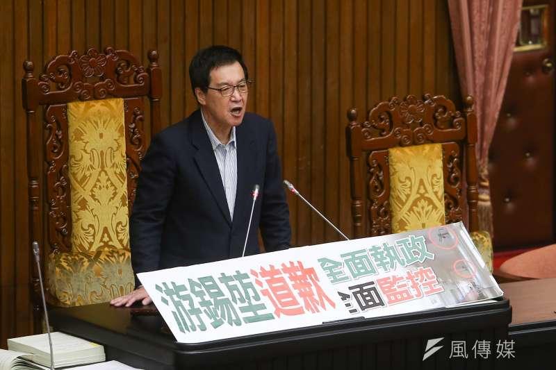 費鴻泰23日針對國民黨團辦公室門口被安裝新型監視器,要求立法院長游錫堃出面道歉。(資料照,顏麟宇攝)