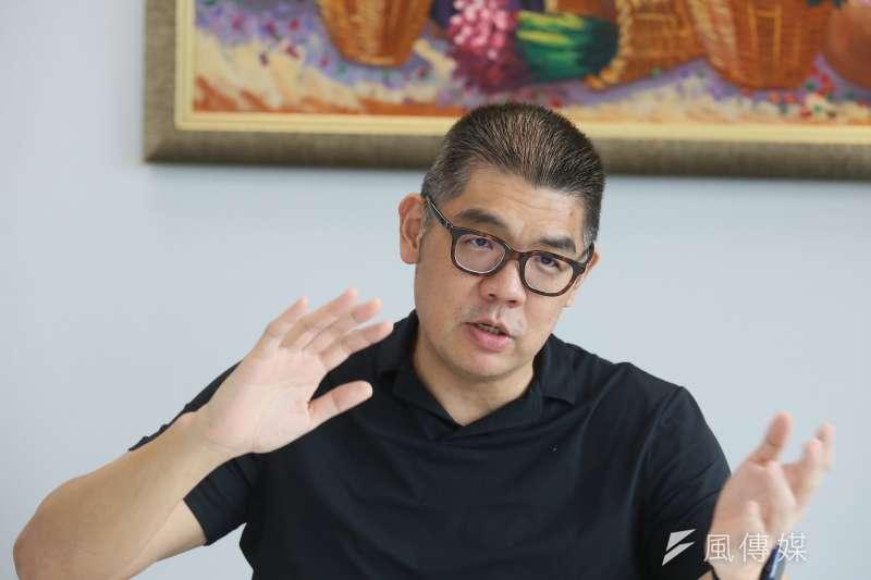 身兼中華民國霹靂舞協會理事長的國民黨中央委員連勝文,10日在臉書PO出自己練習霹靂舞影片,引起網友討論。(資料照,柯承惠攝)