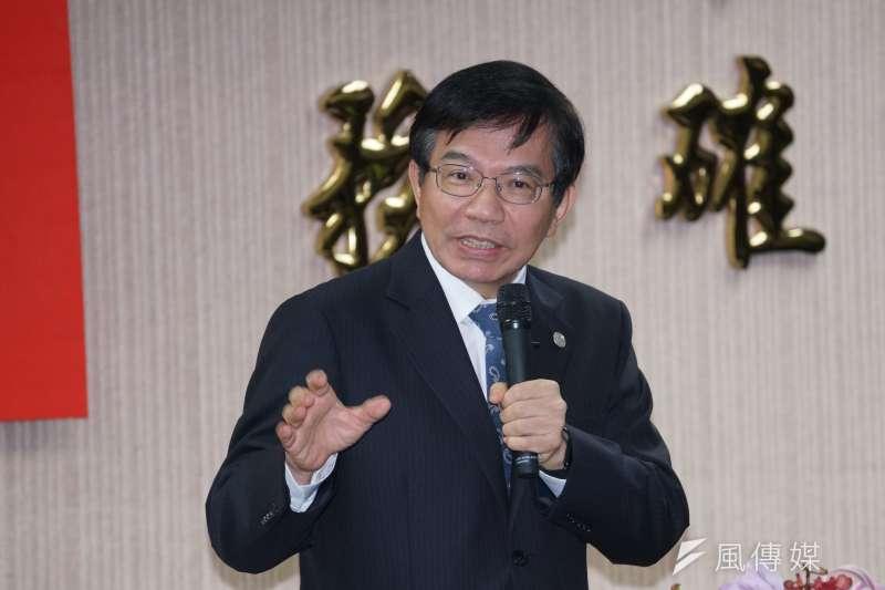 台鐵局27日舉行局長交接典禮,交通部長王國材出席。(盧逸峰攝)