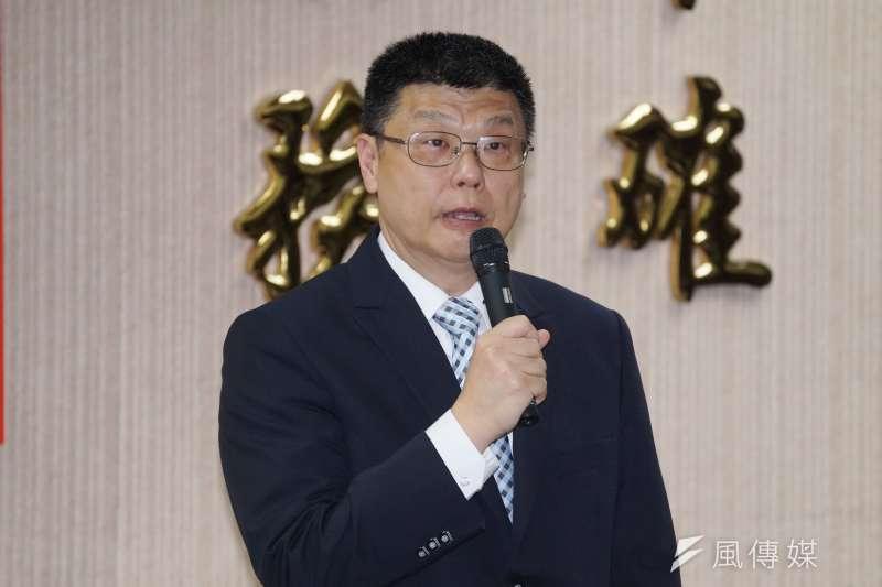 台鐵局27日舉行局長交接典禮,局長杜微致詞。(盧逸峰攝)