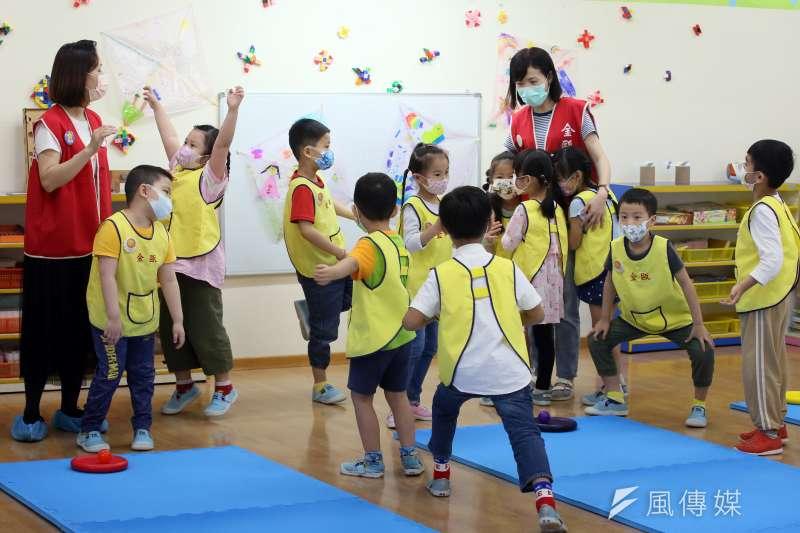 20210427-幼兒園學童與幼教老師.幼稚園學童與幼教老師-示意圖。(柯承惠攝)