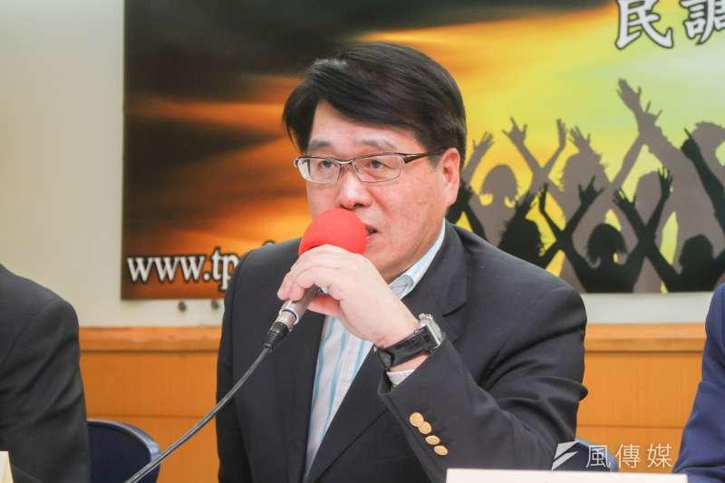 台灣民意基金會董事長游盈隆(見圖)認為,從長期趨勢來看,政大選研中心的研究「對小黨支持度不敏銳、不精準」。(資料照,蔡親傑攝)