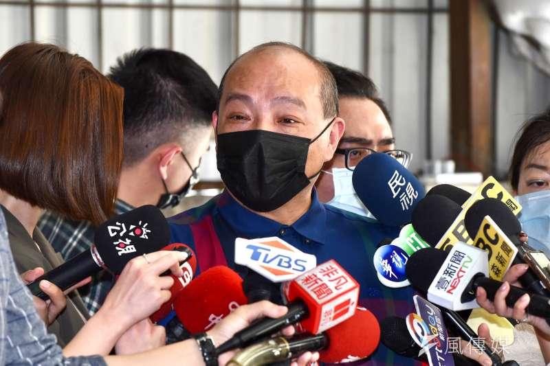 民進黨台北市黨部評委召集人趙映光出面回應家族是幫派背景的指控。(顏麟宇攝)