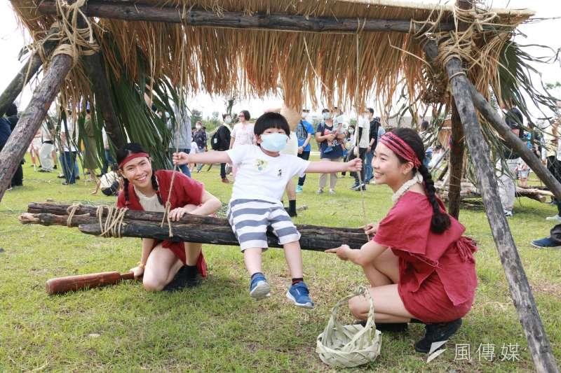 考古生活節有趣的活動讓小朋友樂翻天玩到不想回家。(圖/李梅瑛)