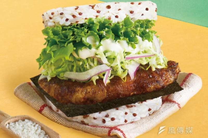 摩斯漢堡限量「龍虎石斑珍珠堡」將於10日隆重推出。(圖/徐炳文攝)