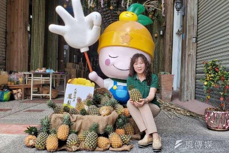 大樹農會總幹事歐幸娟希望大家帶著媽媽到大樹姑山倉庫參加活動。(圖/徐炳文)