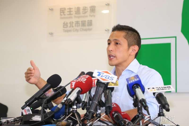 民進黨台北市黨部主委吳怡農5日召開黨務改革說明會。(顏麟宇攝)
