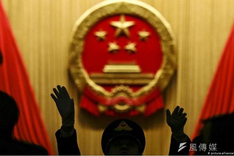 中共官媒環球時報總編胡錫進,因為主張對印度「高舉人道主義大旗對國家有利」,被中國網民罵為「外國舔狗」。(德國之聲)