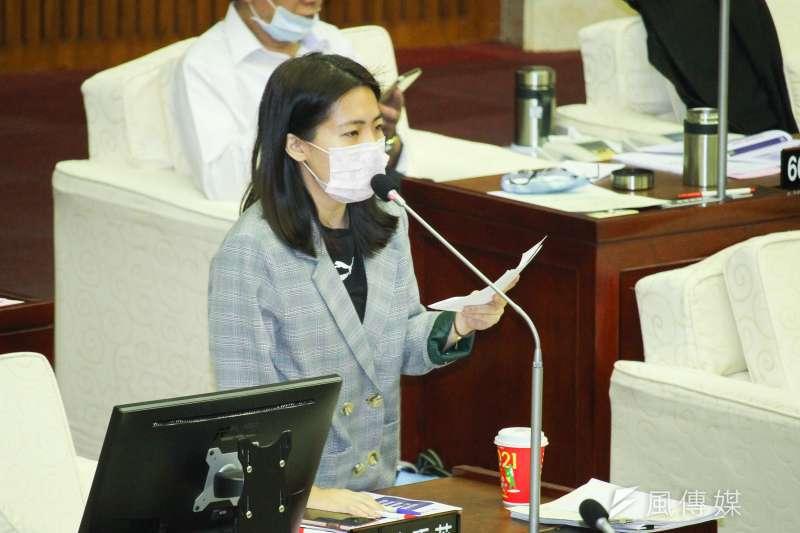 國民黨北市議員徐巧芯(見圖)指出,民進黨立法委員范雲開協調會,建議要把原本機組員隔離時間改成3+11。(資料照,蔡親傑攝)