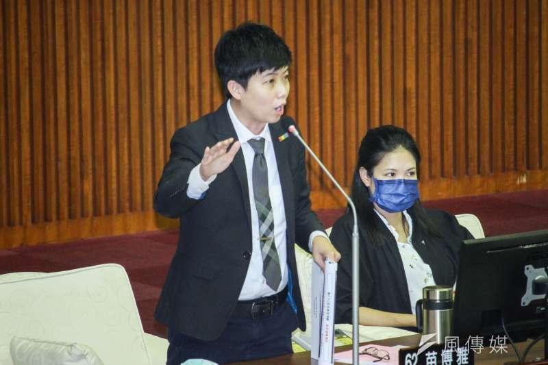 台北市議員苗博雅日前在政論節目表示對於第三級警戒延長的看法,引發網友爭議。(圖/資料照)