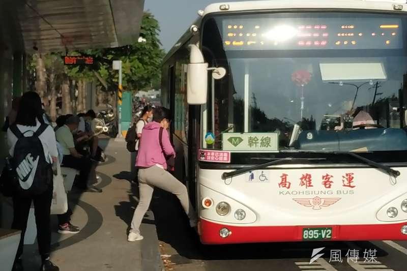 3月高雄整體公共運輸量成長3成。(圖/徐炳文攝)
