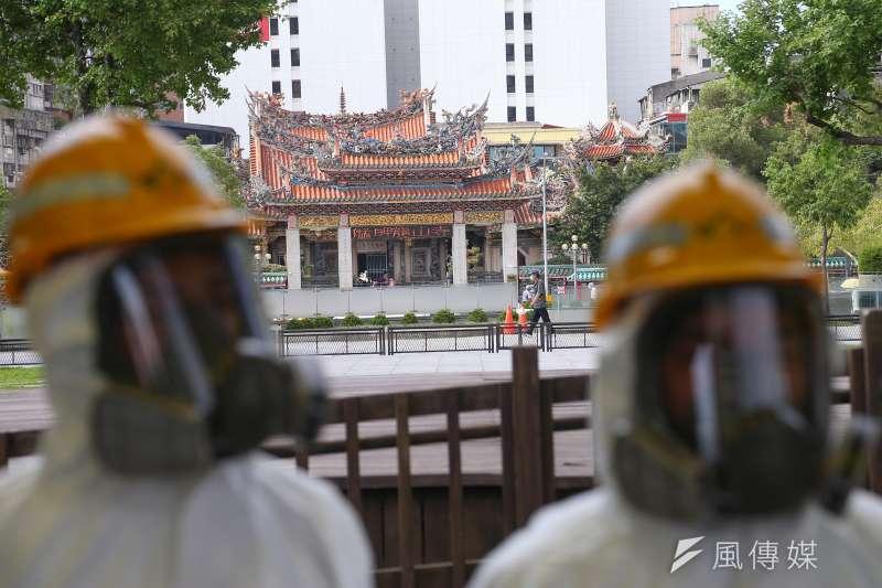 和平醫院昨日兩例確診,萬華茶藝館也有兩例,台大兒童醫院院長黃立民提醒,萬華地區感染人恐比表面多。(顏麟宇攝)