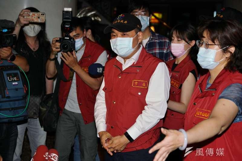 新北市長侯友宜(見圖)表示,未來民眾出門若不戴口罩,將就直接照相存證開罰。(資料照,盧逸峰攝)