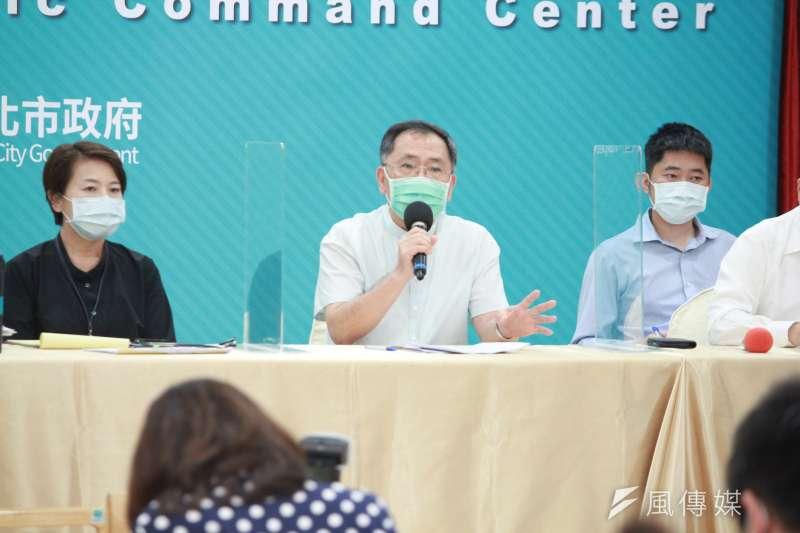 20210512-台北市副市長蔡炳坤(中)12日出席台北市防疫記者會。(方炳超攝)
