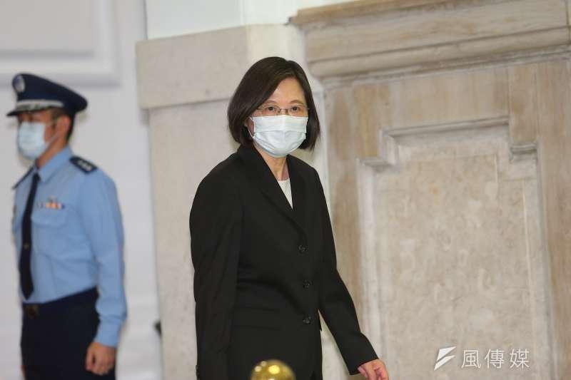 游盈隆指出,在國產疫苗問題上,總統蔡英文(見圖)的豪賭將決定台灣2350萬人的禍福。(資料照,顏麟宇攝)