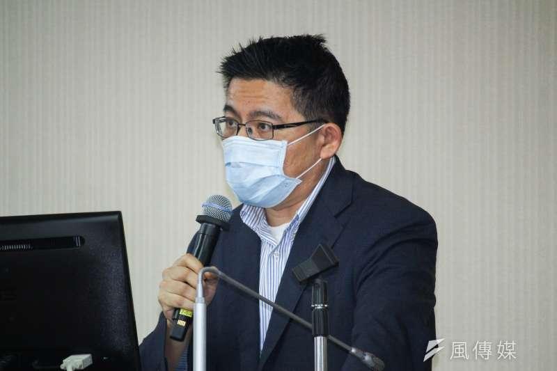 20210513-立委邱顯智出席立院內政委員會質詢。(蔡親傑攝)