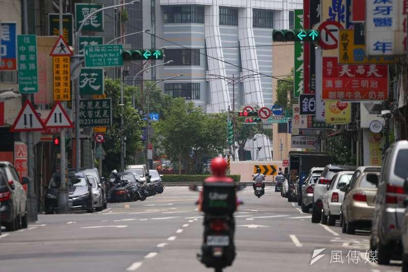 中央流行疫情指揮中心指揮官陳時中今(23)日正式宣佈,三級警戒確定延長至7月12日。(示意圖/資料照)