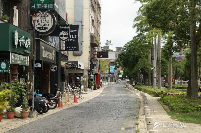 本土新冠肺炎疫情升溫,新竹市區人煙稀少。(盧逸峰攝)