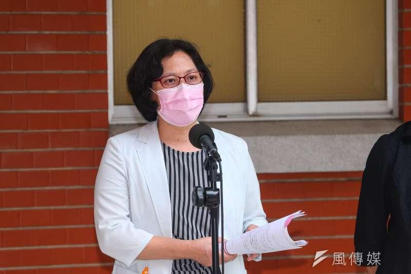 民眾黨立委賴香伶(見圖)指出,民眾黨團原邀集各部會列席專題討論高端疫苗問題,但卻遭到民進黨團阻撓。(資料照,顏麟宇攝)