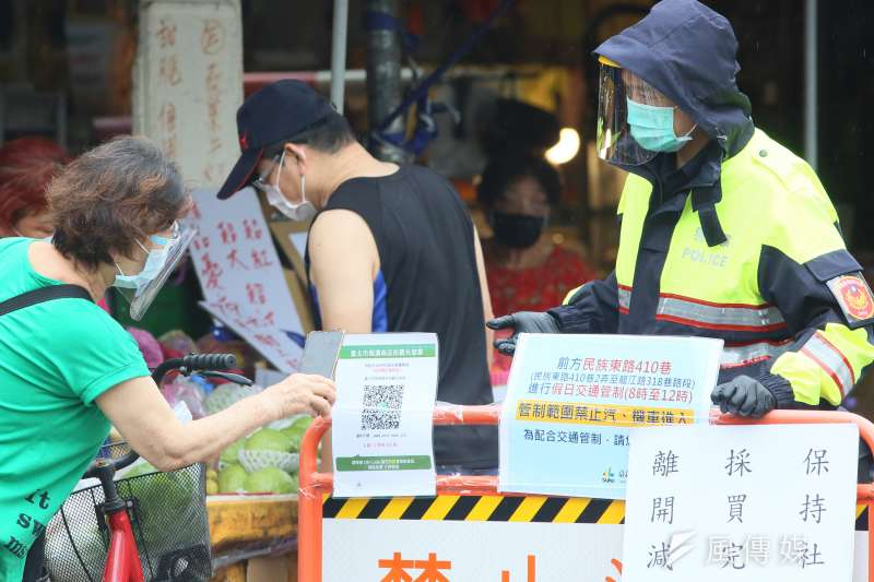 中央流行疫情指揮中心指揮官陳時中表示,疫情降級的影響要等到這周或下周才看得出來,因此9日之後防疫措施應不會有大幅度改變。示意圖。(資料照,柯承惠攝)
