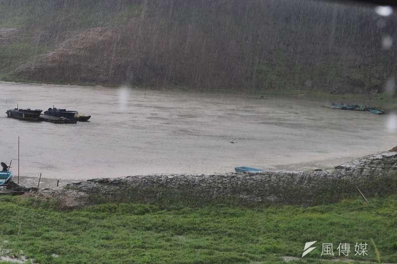 梅雨鋒面為台灣帶來豐沛雨量,各地水庫皆有不少進帳,先前面臨缺水危機的石門水庫,蓄水率現已接近80%。(資料照,柯承惠攝)