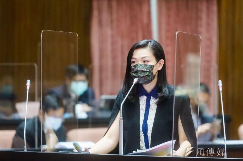民眾黨立委高虹安8日赴立法院,針對疫苗議題進行質詢。(高虹安辦公室提供)