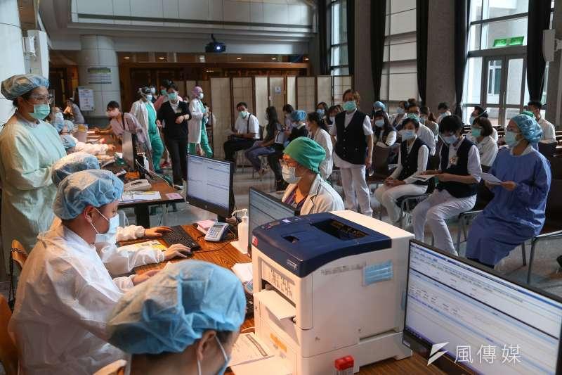 台灣新冠肺炎致死率2.83%已超過全球平均,公衛專家陳秀熙指出,包括醫療量能衝擊、疫苗施打等都是致死率升高的原因。(顏麟宇攝)
